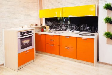 Кухня с фасадом с эмалью Манхеттен